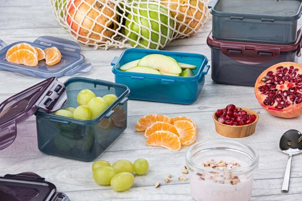 Snack boxes with fruit