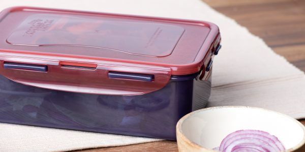 Closed top food storage box in use